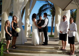Couple getting married in Mexico for destination wedding.