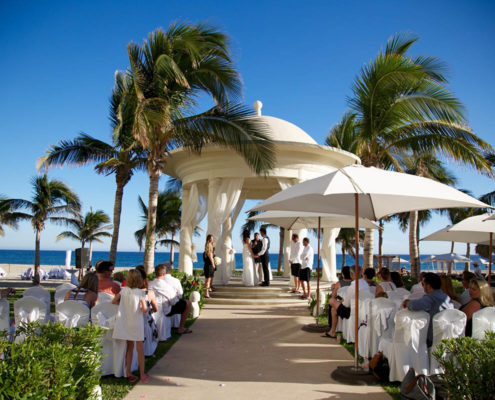 wedding ceremony with wedding guests in Cabo