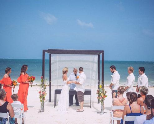 Calgary couple's wedding ceremony on tropical beach